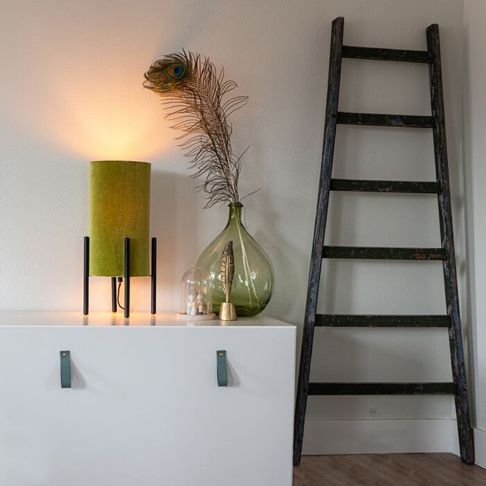 Dizaina-galda-lampa-melna-samta-nokrāsa-zaļa-ar-zeltu---bagāta